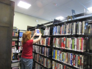 Arranging books on shelves